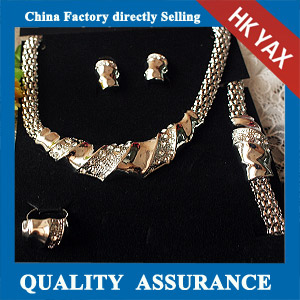 N014 Alloy statement necklace set