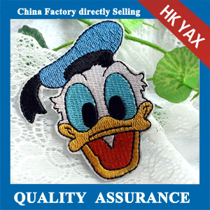 New design Donald Duck custom embroidery patch